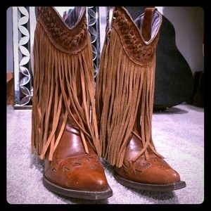 Lightly worn FRINGE Dingo Brand COWGIRL BOOTS!